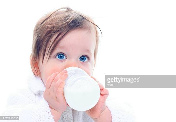 Bébé avec Bouteille de lait