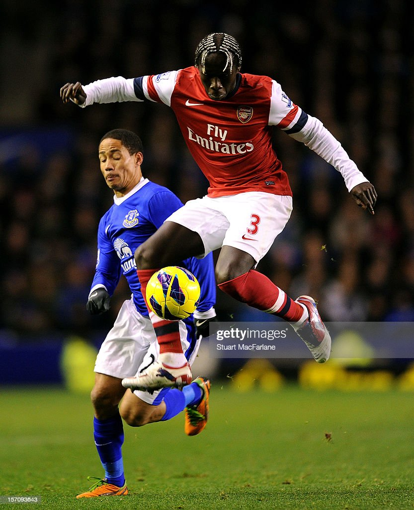 Bacary Sagna of Arsenal breaks past Steven Pienaar of Everton during the Barclays Premier League match between Everton and Arsenal at Goodison Park on November 28, 2012 in Liverpool, England.