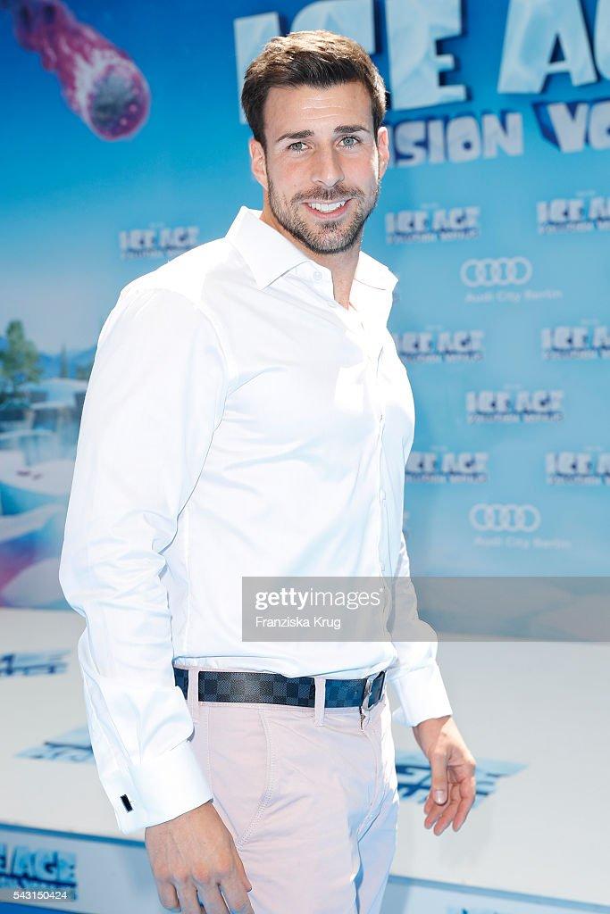 'Bachelor' participants Leonard Freier attends the 'Ice Age - Kollision Voraus' German Premiere at CineStar on June 26, 2016 in Berlin, Germany.