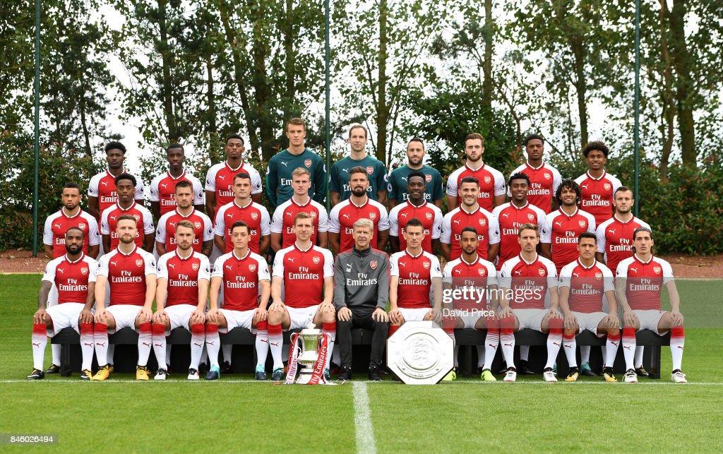Hilo del Arsenal Back-row-ainsley-maitlandniles-eddie-nketiah-jeff-reineadelaide-matt-picture-id846026494