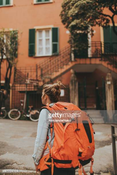 Backpacker het verkennen van Italië