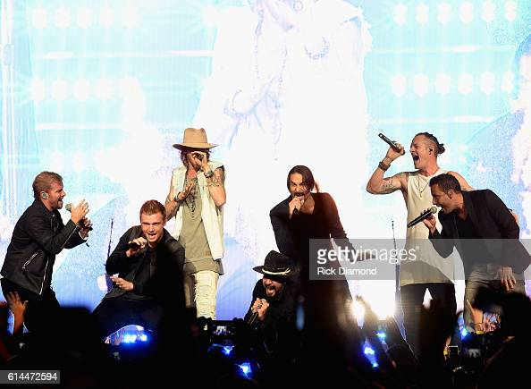 Backstreet Boys Brian Littell Nick Carter AJ McLean Brian Richardson and Howie D join Brian Kelley and Tyler Hubbard of Florida Georgia Line during...