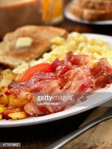 ベーコンと卵料理