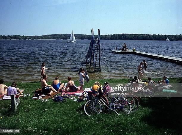 Badewiese am See bei WendischRietz 1997