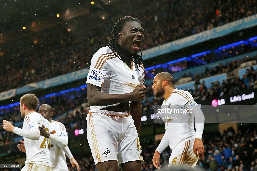 <a gi-track='captionPersonalityLinkClicked' href=/galleries/search?phrase=Bafetimbi+Gomis&family=editorial&specificpeople=686005 ng-click='$event.stopPropagation()'>Bafetimbi Gomis</a> of Swansea City celebrates scoring his team's first goal during the Barclays Premier League match between Manchester City and Swansea City at Etihad Stadium on December 12, 2015 in Manchester, United Kingdom.