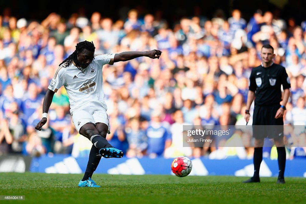 <a gi-track='captionPersonalityLinkClicked' href=/galleries/search?phrase=Bafetimbi+Gomis&family=editorial&specificpeople=686005 ng-click='$event.stopPropagation()'>Bafetimbi Gomis</a> of Swansea City scores his team's second goal from the penalty spot during the Barclays Premier League match between Chelsea and Swansea City at Stamford Bridge on August 8, 2015 in London, England.