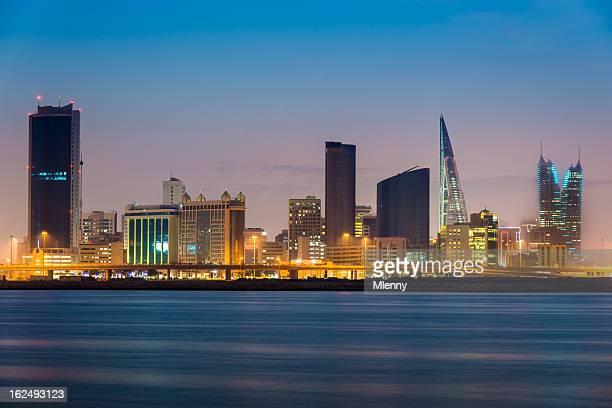 Bahrain Manama di notte