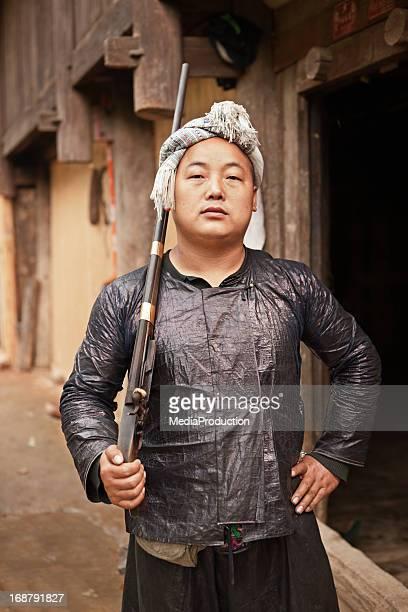 白ミャオ男性
