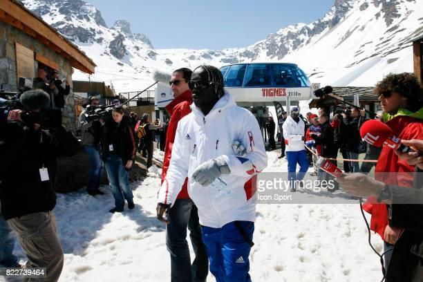 Bakary SAGNA Retour du Glacier Stage de l'Equipe de France avant la Coupe du Monde 2010 Tignes France