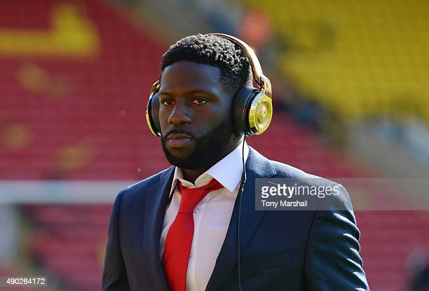 Bakary Sako of Crystal Palace looks on prior to the Barclays Premier League match between Watford and Crystal Palace at Vicarage Road on September 27...