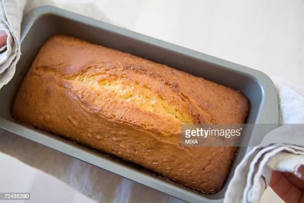 Baked pound cake