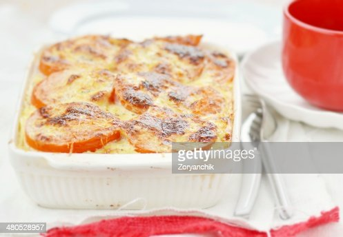 baked rockfish with rice and tomatoes : Stockfoto
