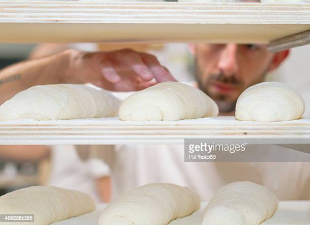 Baker Überprüfung Brot Teig