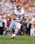 Baker Mayfield of the Oklahoma Sooners runs with the ball against the Tennessee Volunteers at Neyland Stadium on September 12 2015 in Knoxville...