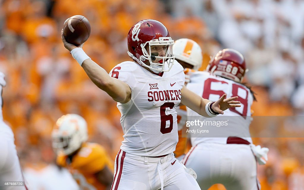 Baker Mayfield of the Oklahoma Sooners throws a pass against the Tennessee Volunteers at Neyland Stadium on September 12 2015 in Knoxville Tennessee