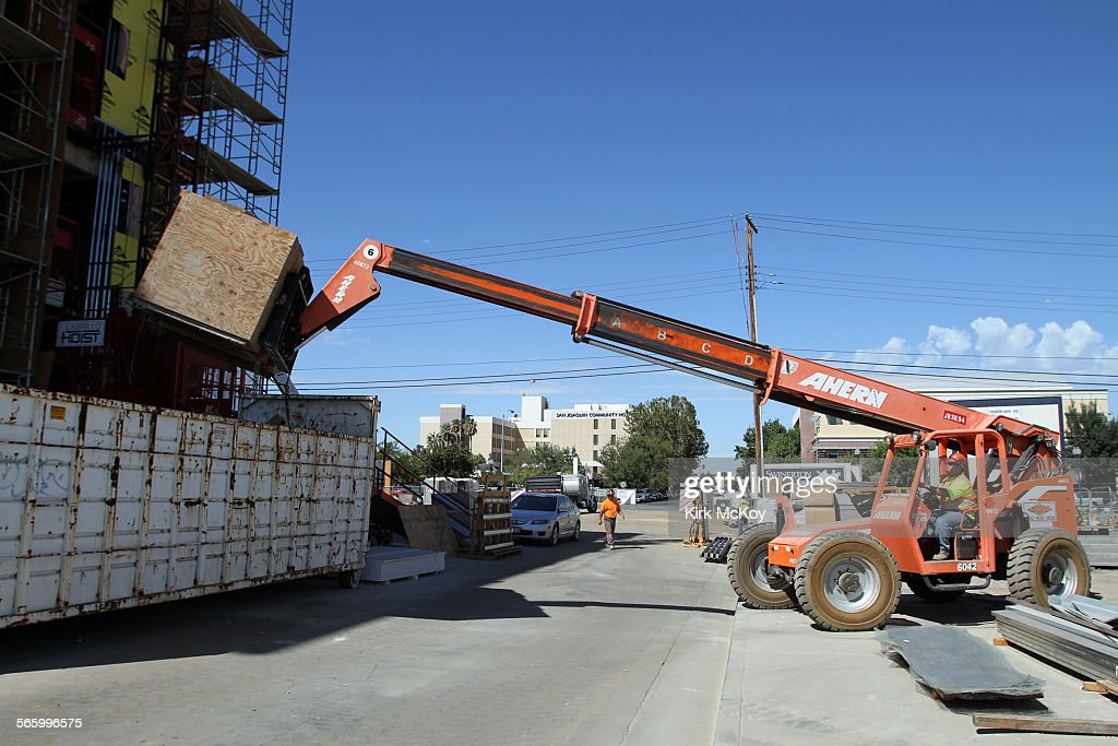 AUGUST 2012–– Bakersfield has been the surprise gem of the Central Valley The Bakersfield metro area leads the country in year–over–year construction...