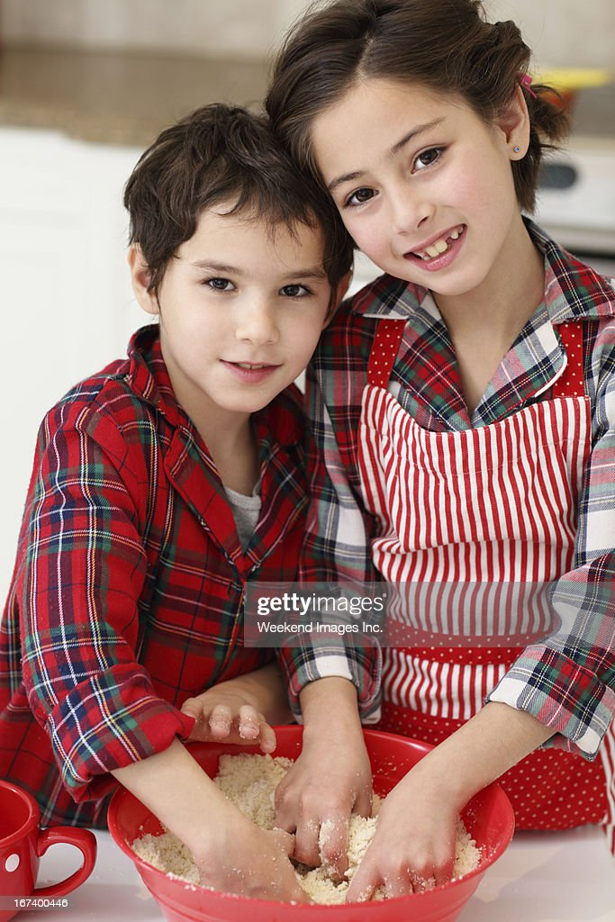 Baking kids : Stockfoto