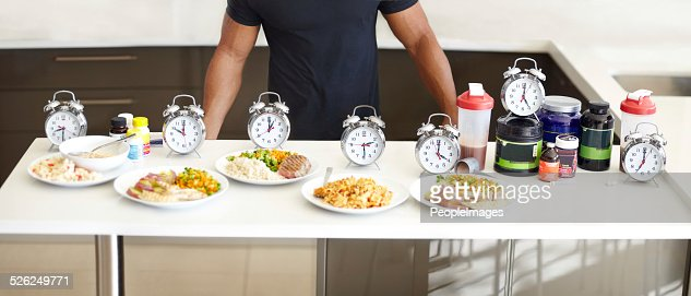 Balanced meals with structured mealtimes is a must : Stock Photo