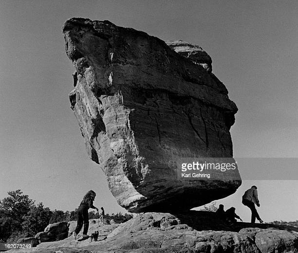 DEC 31 1986 OCT 30 1997 Balancing Rock in The Garden of the Gods near Colorado Springs did not tip over Tuesday A visiting family from Wisconsin...