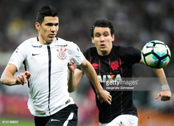 Balbuena L0 of Corinthians and Pablo of Atletico PR in action during the match between Corinthians and Atletico PR for the Brasileirao Series A 2017...