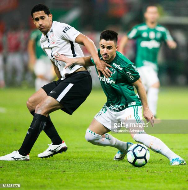 Balbuena of Corinthians and Willian of Corinthians in action during the match between Palmeiras and Corinthians for the Brasileirao Series A 2017 at...