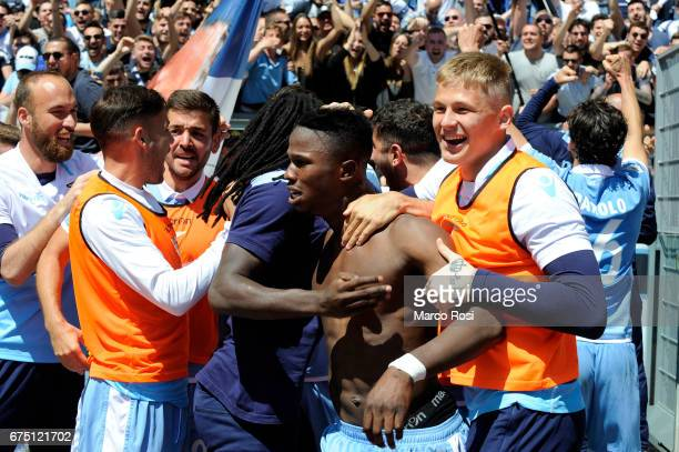 Balde Diao Keita of SS Lazio celebrates scoring his team's third goal with his team mates during the Serie A match between AS Roma and SS Lazio at...