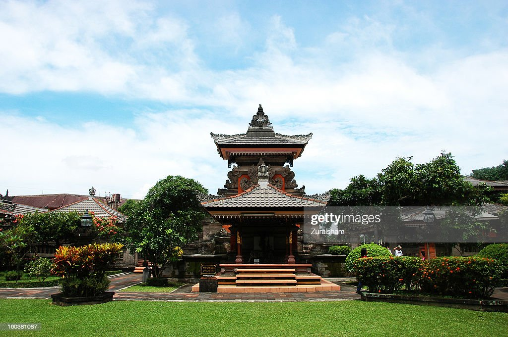 Bali Garden Temple : Stock Photo