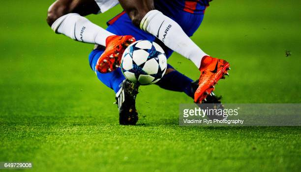 Balise Matuidi of PSG and Rafinha of Barcelona battle for the ball during the UEFA Champions League Round of 16 second leg match between FC Barcelona...