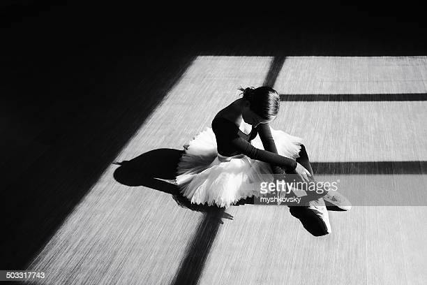 Ballerine danse à l'intérieur
