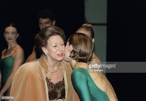 Ballerina Darcey Bussell Greeting Princess Margaret With A Kiss After The Roya Ballet's Opening Performance At The New Sadler's Wells Theatre L0ndon