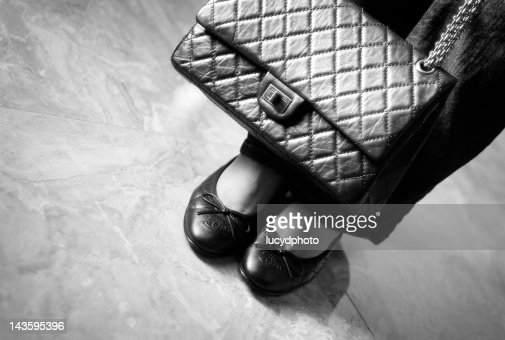 Ballerina flats shoes with hand bag : Stock Photo
