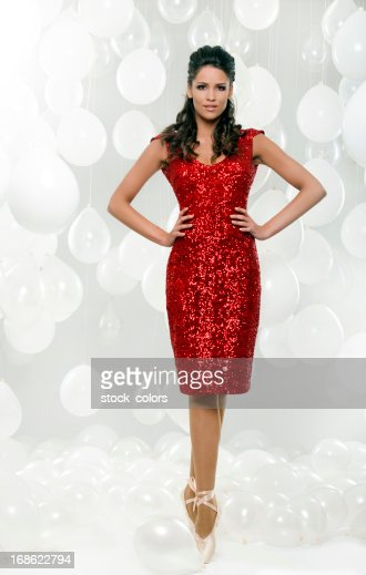 ballerina in roten Kleid