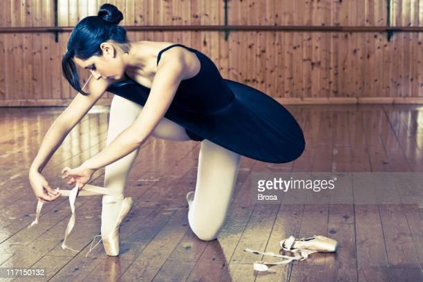 Ballerina allacciatura la punta della scarpa