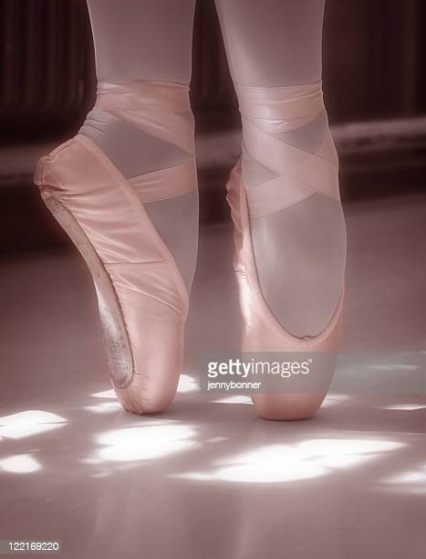 Ballerina: Pink Classical Ballet Pointe Shoes