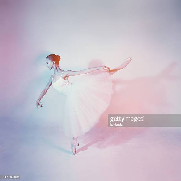 Ballett-Tänzerin im arabesque