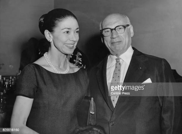 Ballet dancer Margot Fonteyn attends a party hosted by American impresario Sol Hurok at the Savoy Hotel in London 18th August 1960 Members of the...