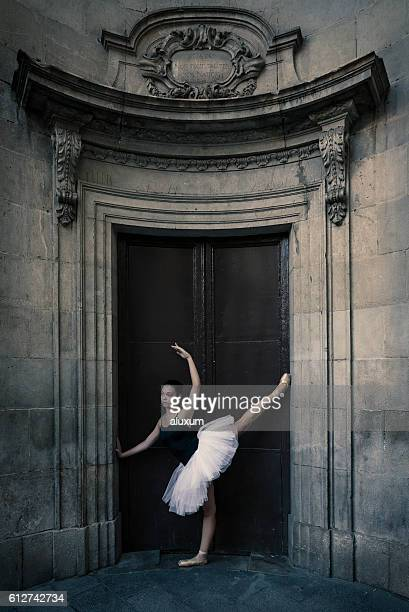 Ballet dancer performance in the city