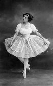 *12021881 Ballet dancer Russia Portrait in the tutu Vintage property of ullstein bild