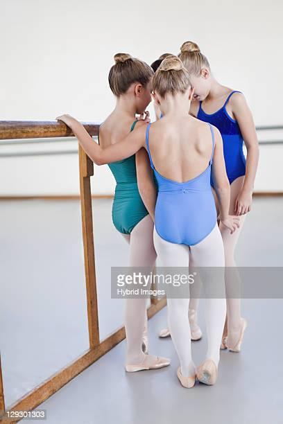 Ballerini di balletto di parlare in studio