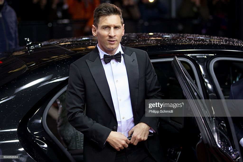 Ballon d'Or nominee <a gi-track='captionPersonalityLinkClicked' href=/galleries/search?phrase=Lionel+Messi&family=editorial&specificpeople=453305 ng-click='$event.stopPropagation()'>Lionel Messi</a> of Argentina and FC Barcelona arrives for the FIFA Ballon d'Or Gala 2015 at the Kongresshaus on January 11, 2016 in Zurich, Switzerland.