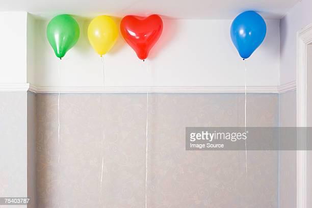 Palloncini a soffitto