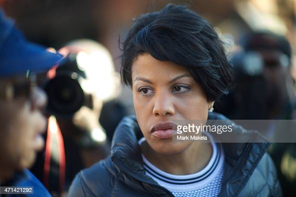 Baltimore mayor Stephanie RawlingsBlake greets a concerned citizen the morning after citywide riots following the funeral of Freddie Gray on April 28...