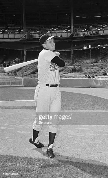 Baltimore Orioles' Brooks Robinson Swinging