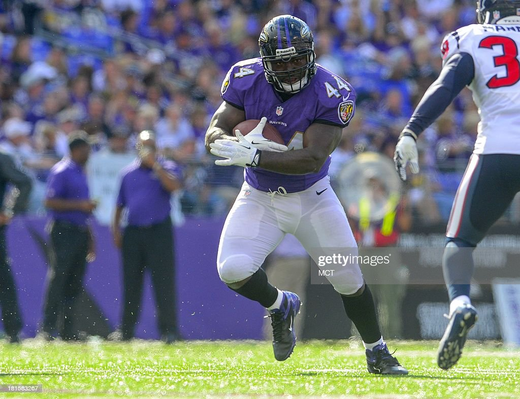 Baltimore Ravens fullback Vonta Leach looks for a first down during the second half of their game withe the Houston Texans in Baltimore Maryland on...