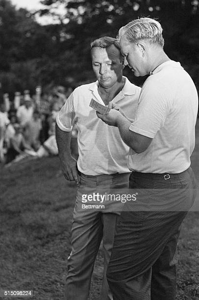 Baltursol Country Club New Jersey After winning the US Open with a 5underpar 275 Jack Nicklaus checks his score card with his playing partner Arnold...
