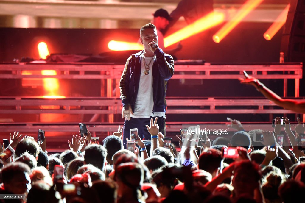 J. Balvin performs with Major Lazer during Day Two of 2017 Billboard Hot 100 Festival at Northwell Health at Jones Beach Theater on August 20, 2017 in Wantagh City.