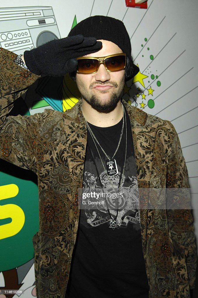 """Bam Margera and His FiancT Missy Visit MTV's """"TRL"""" - January 29, 2007"""