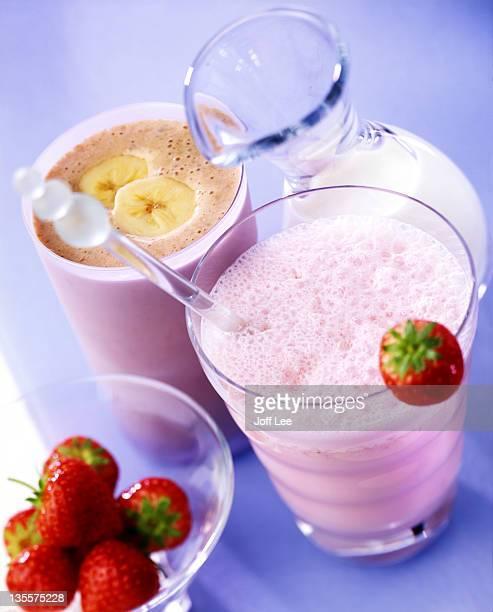 Banana & strawberry milkshakes