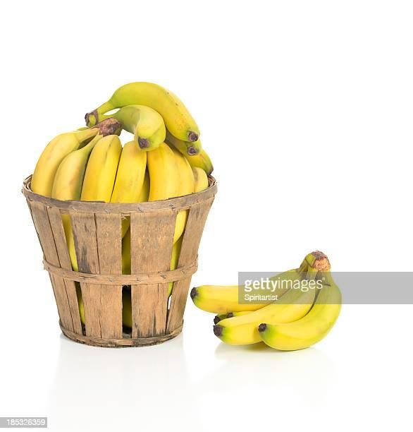 Bananas en un ambiente rústico cesta