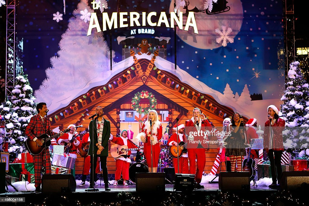 the americana at brand christmas tree lighting ceremony getty images. Black Bedroom Furniture Sets. Home Design Ideas